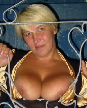 Gismonde live escort in Greensboro